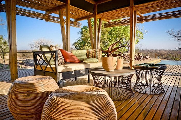 Simbavati-Hilltop-Lodge-outside-area